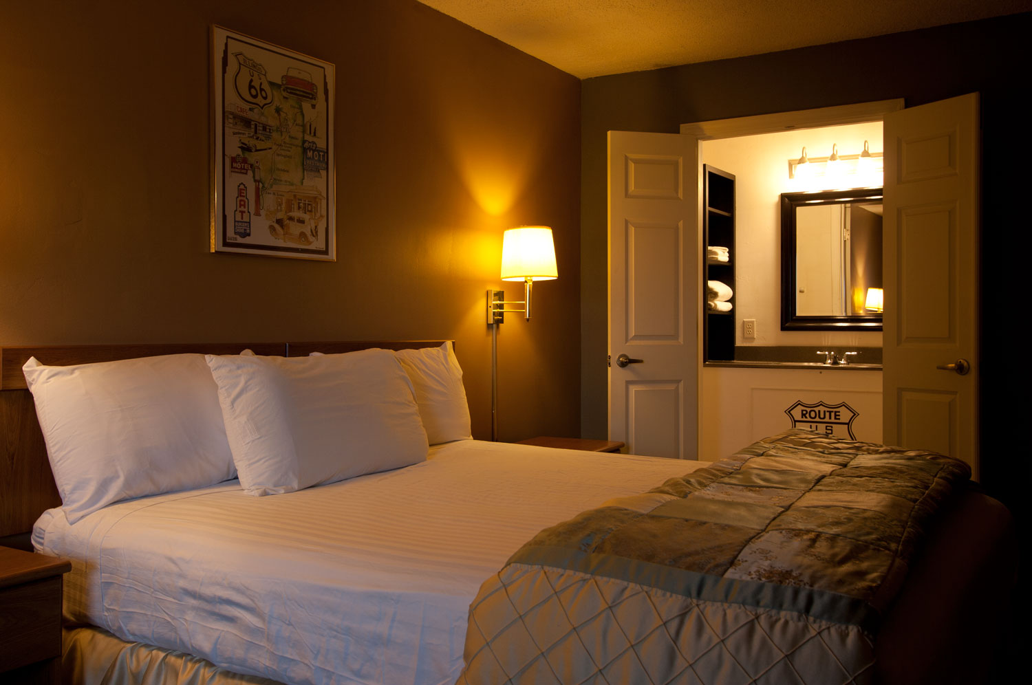 Route 66 Hotel Jaccuzi and Executive Suites - Family-Friendly Hotel | Route 66 Hotel and