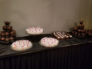 Route 66 Hotel and Conference Center in Springfield - delicious buffet desserts